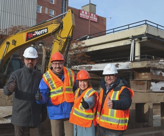 Équipe EXP et Groupe Custeau discutant du projet de revitalisation Espace Centro de Sherbrooke